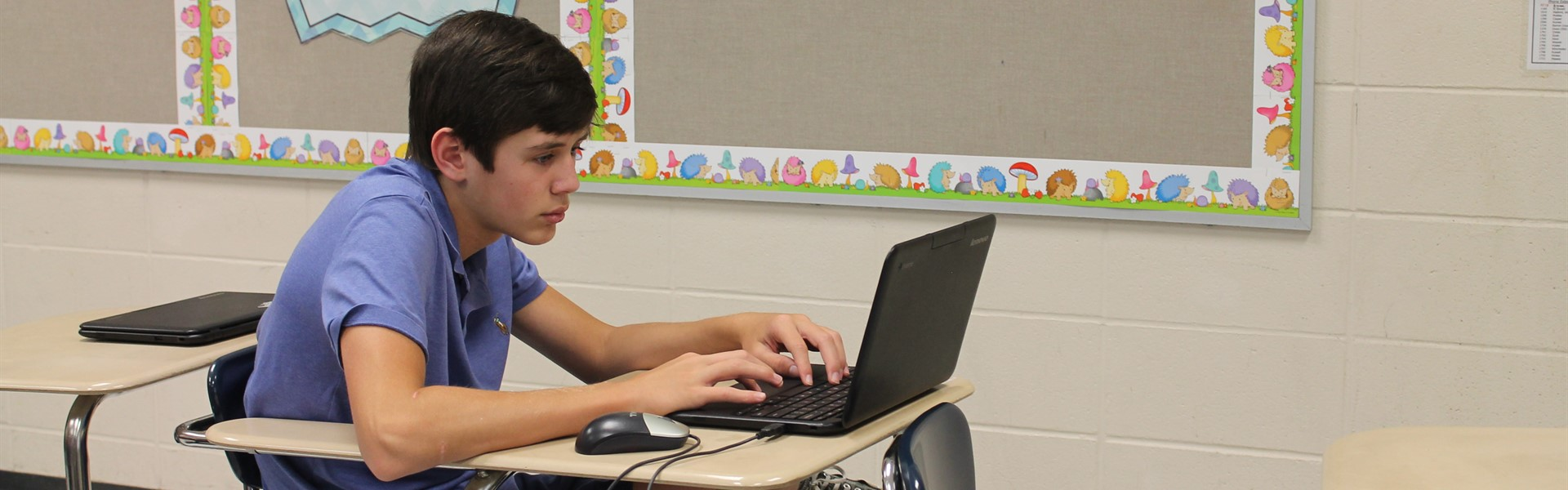 Student learning with Chromebook